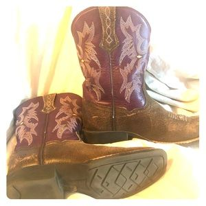 Ariat cowgirl boots size 1